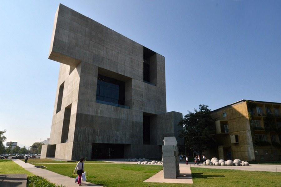 Guiding Architects | Santiago de Chile chilenische Architektur - Centro de Investigación UC