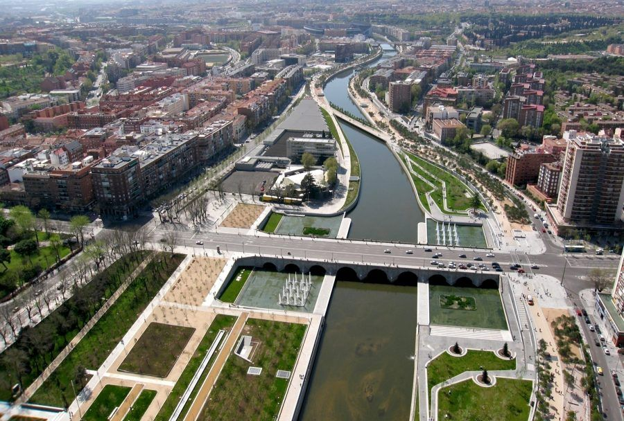 The new river-townscape of Madrid Río