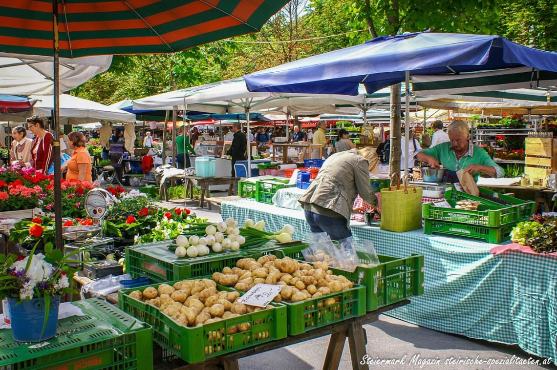 The colorful farmers' market. in Graz