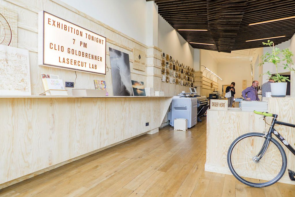 Inkut Lab is the 2016's winner of Brussels Commerce Design Award in the Services category. It hosts several services together with those of graphic design and Fine Art printing. Copyright: Thomas Van Den Driessche.