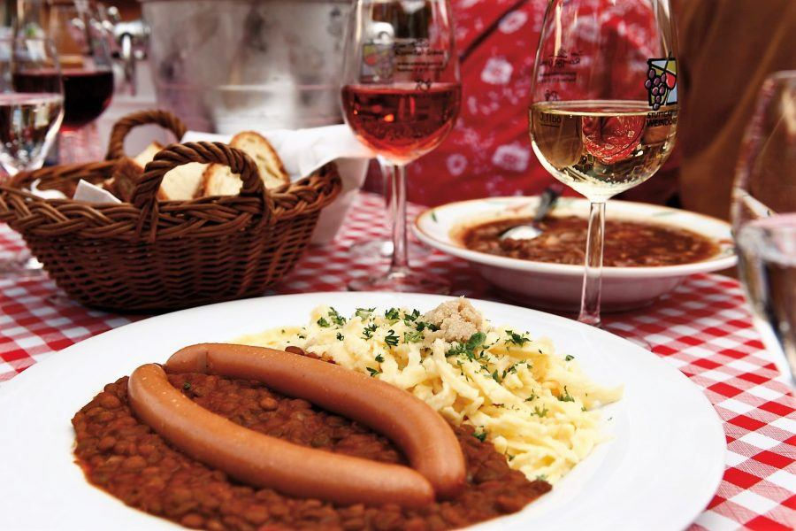 The traditional lentils and noodles served at this wine bar in Stuttgart. Copyright: StuttgartMarketing GmbH.