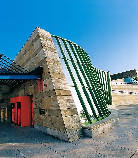 Staatsgalerie's building.