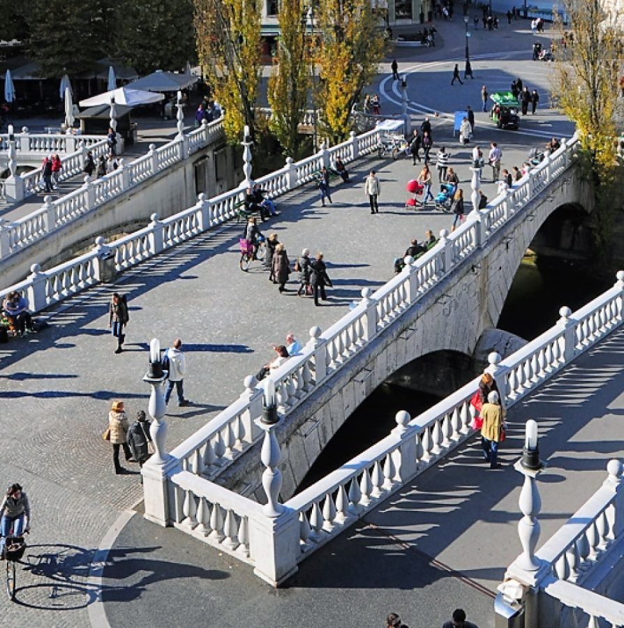 The famous three bridges Tromostovie from the city's most famous son, Jože Plečnik. Copyright: D. Wedam.