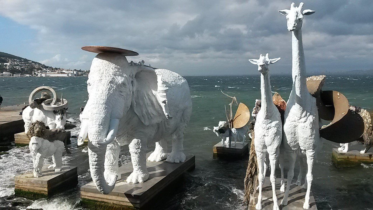 Sculptures by artist Adrián Villar Rojas, in the 2015 edition of Istanbul Biennale. Copyright: Cansu Kaçar.