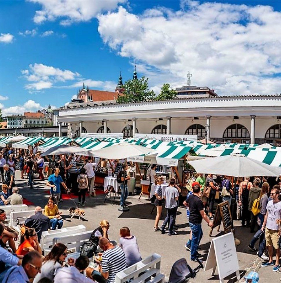 Until September, the Ljubljana central market will be hosting the best of master cooking in Slovenia, working as an open kitchen. Copyright: All rights reserved.