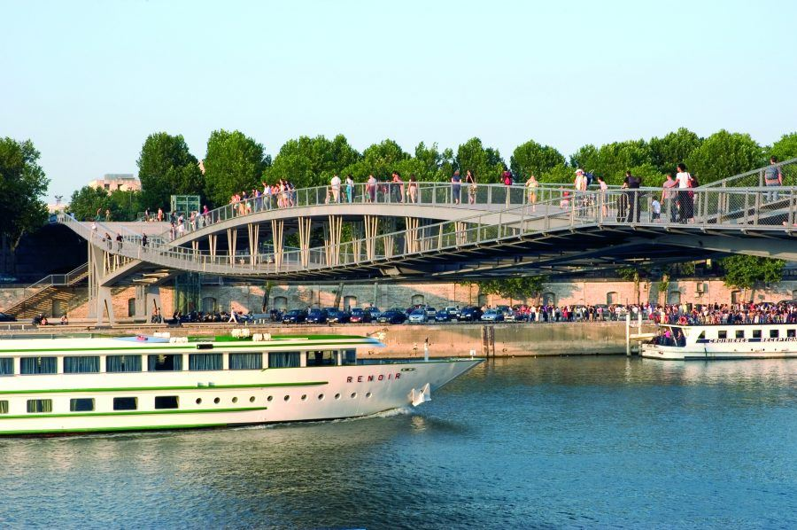 Passerelle Simone de Beauvoir © Paris Tourist Office - Photographe : Amélie Dupont
