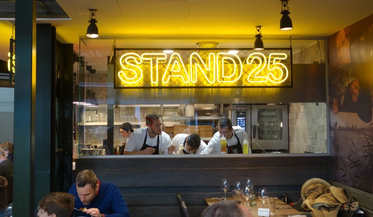The open kitchen of Stand 25, on the ground floor of this market in Budapest. Copyright: Csaba Magarósi.