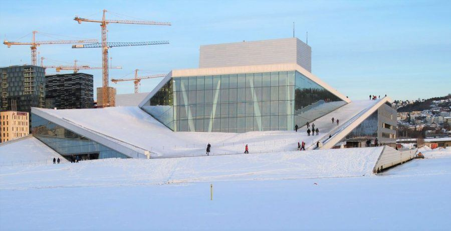 Urban transformation in Oslo: The roof of the opera house in the winter. Copyright: Henning Nielsen.