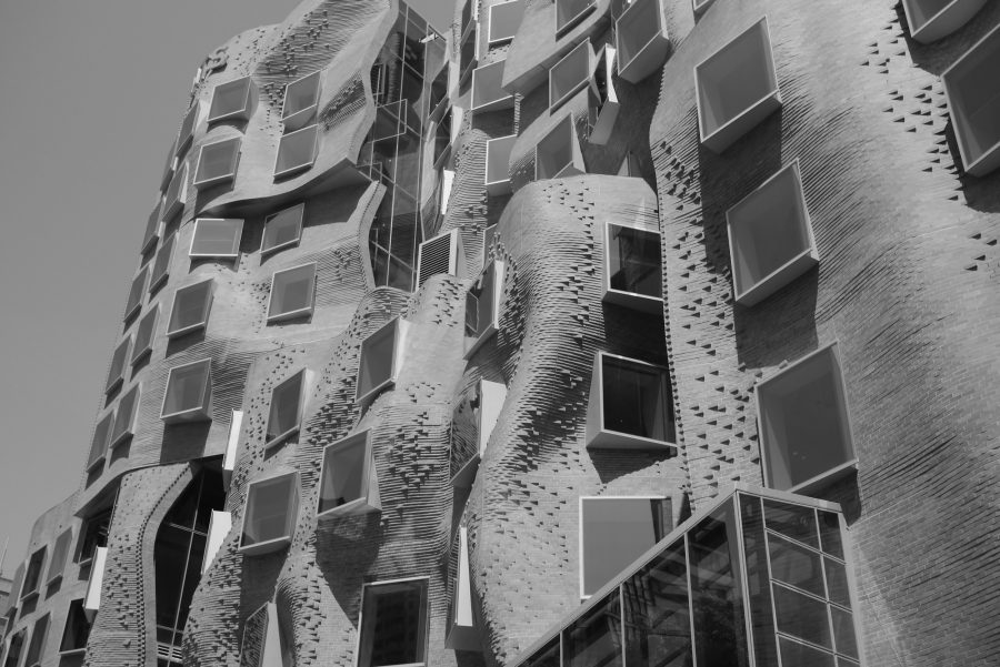 View of The University of Technology Sydney by Frank Gehry - Guiding Architects