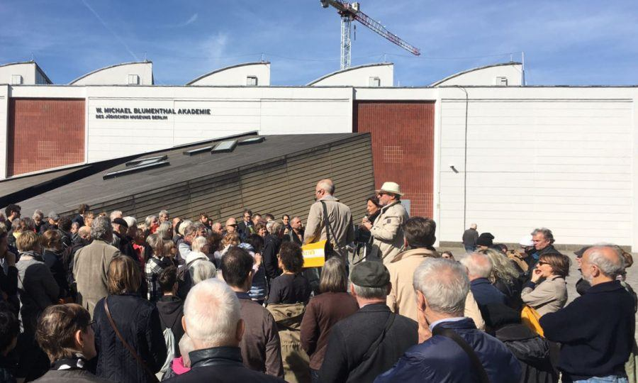 Free public tour starting at the Jewish Academy - Guiding Architects