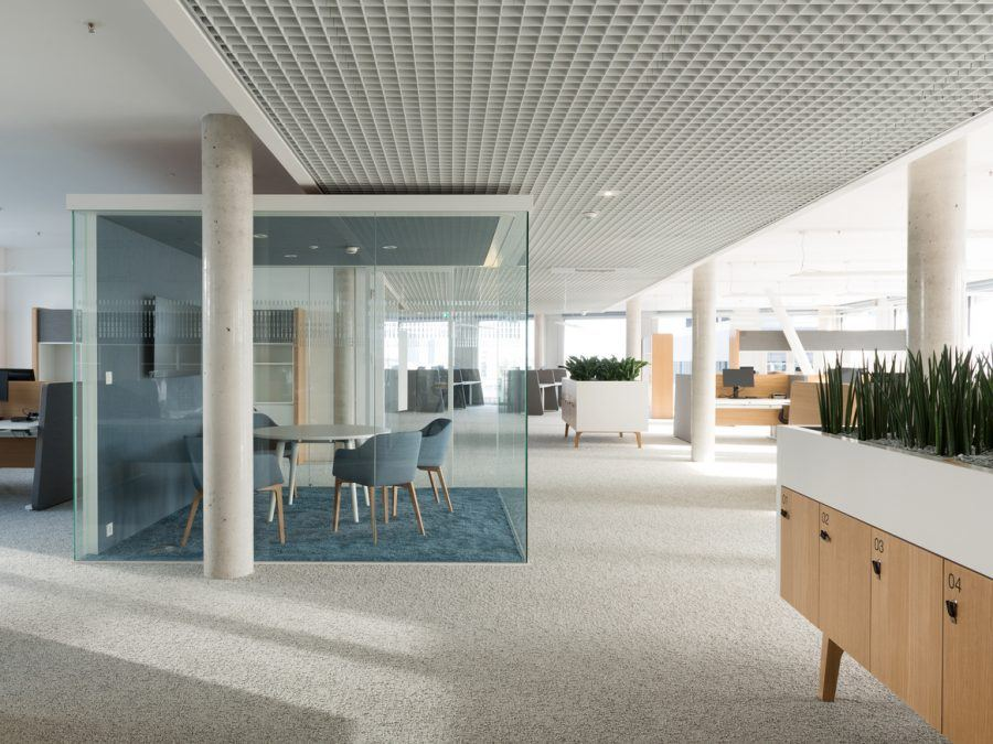 View of the New Post in Rochus glass meeting room - Guiding Architects