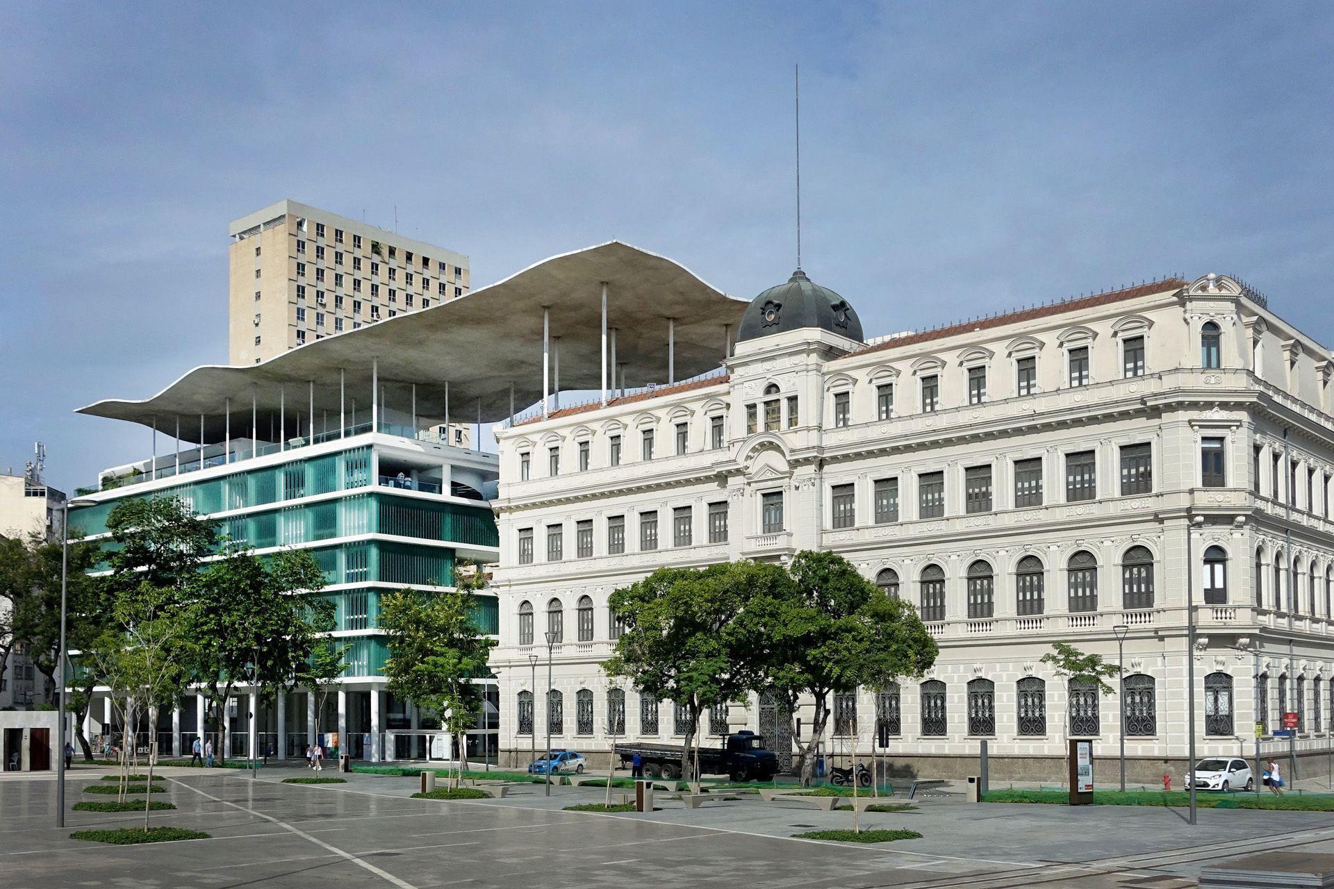 Rio de Janeiro Museum of Art Square - Guiding Architects