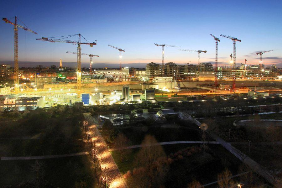 Night view of the building Site of Clichy Batignolles - Guiding Architects