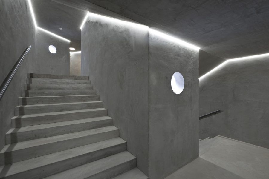 View of Interior of the volume of the stairs - Guiding Architects