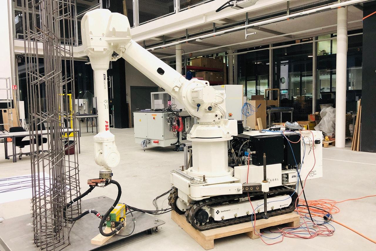 Mobile Construction Robot