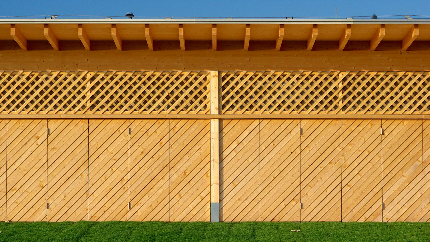 OPEN-AIR BATH LOCHAU - SPRING 2020 (Architekten Innauer Matt) Willem Bruijn ©onehundredyears.eu