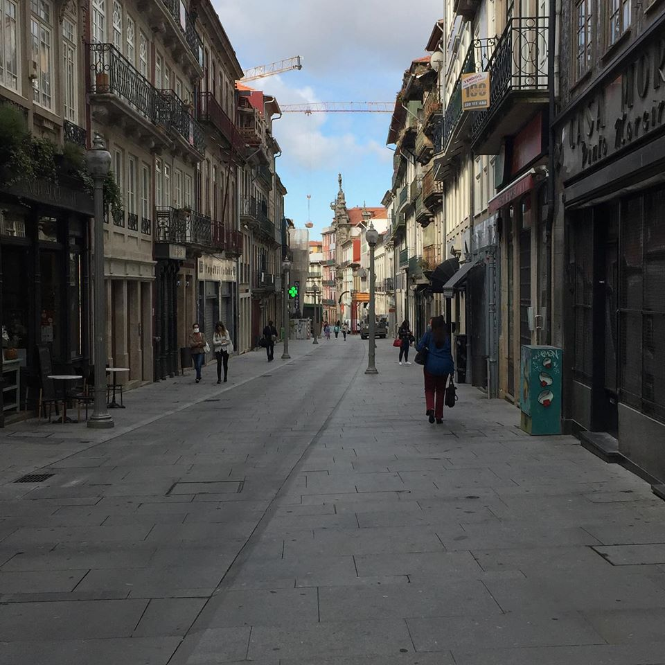 Oporto: Rua das Flores. Photo by ©Isabel Correia
