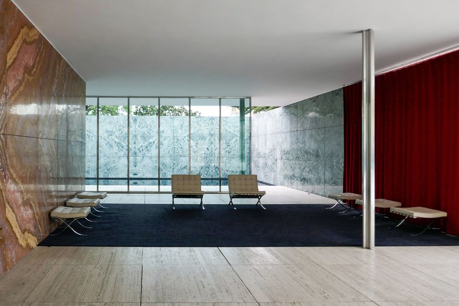 Mies van der Rohe Pavilion. Barcelona. Photo by ©GA Barcelona. Virtual Tours on modern architecture, by Guiding Architects